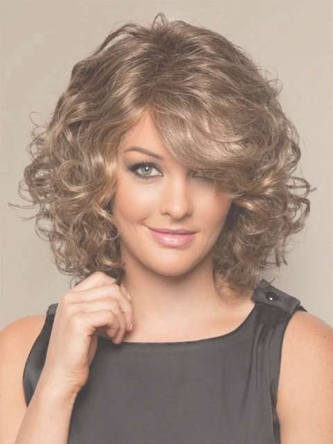 Featured Photo of Curly Medium Hairstyles For Round Faces