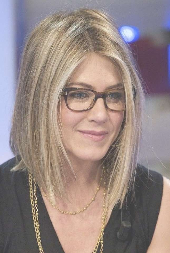 Medium Straight Bob Hairstyles For Women With Glasses – Women For Most Popular Medium Hairstyles For Ladies With Glasses (View 2 of 15)