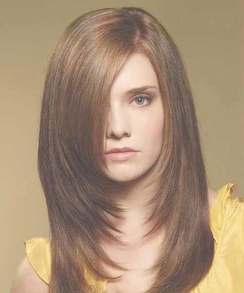 Medium Straight Hair Round Face Inside Newest Straight Medium Hairstyles For Round Faces (View 6 of 25)