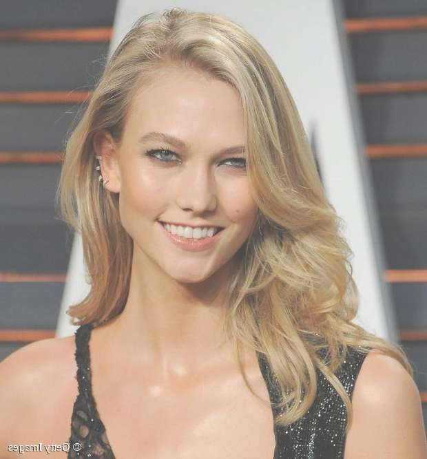 Mid Length Hairstyles: 4 Night Out Looks From Karlie Kloss With Regard To Recent Medium Hairstyles For Night Out (View 8 of 25)