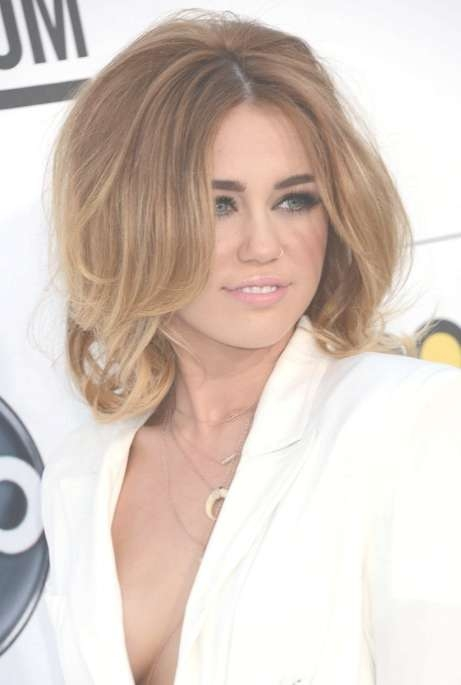 Miley Cyrus Layered Medium Length Hairstyles: So Sexy For Latest Miley Cyrus Medium Haircuts (View 24 of 25)