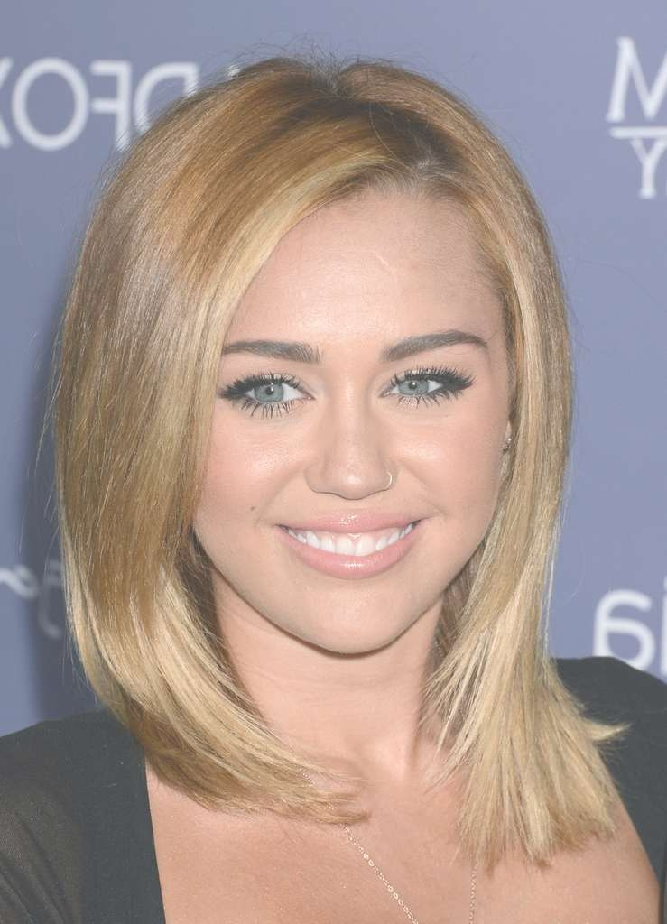 Featured Photo of Miley Cyrus Medium Haircuts