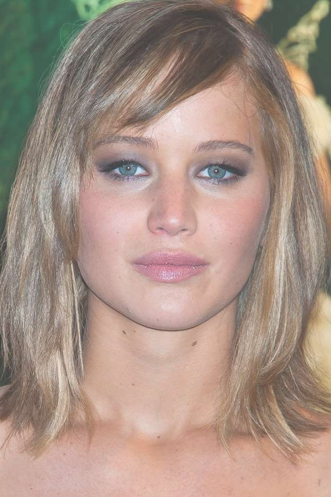 More Pics Of Jennifer Lawrence Medium Straight Cut With Bangs (16 For 2018 Jennifer Lawrence Medium Hairstyles (View 20 of 25)