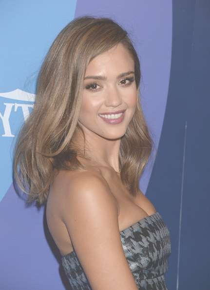 More Pics Of Jessica Alba Medium Wavy Cut (7 Of 34) – Shoulder With Most Up To Date Jessica Alba Medium Hairstyles (View 25 of 25)