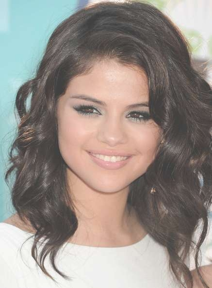 More Pics Of Selena Gomez Medium Curls (20 Of 26) – Shoulder In Most Recently Selena Gomez Medium Hairstyles (View 3 of 15)