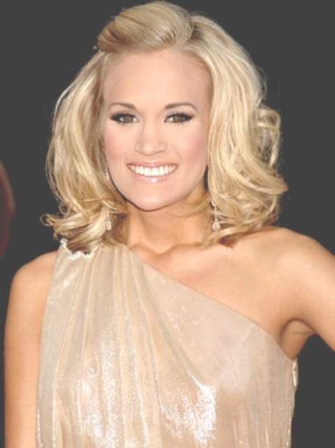 New Hairstyle For Carrie Underwood: Carrie Underwood S Hair At The Regarding Carrie Underwood Bob Haircuts (View 23 of 25)