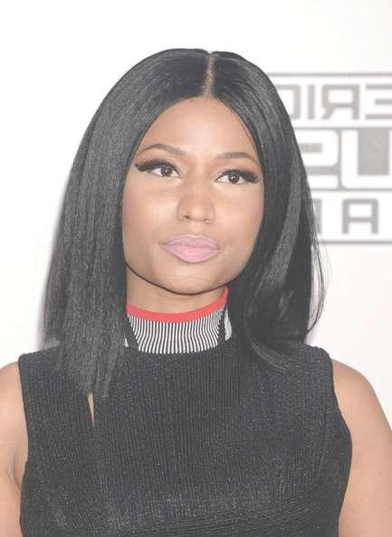 Nicki Minaj Shoulder Length Hairstyles Looks – Stylebistro Throughout Latest Nicki Minaj Medium Haircuts (View 2 of 25)