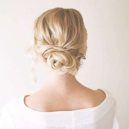 Our Favorite Prom Hairstyles For Medium Length Hair | More Inside Most Recently Medium Hairstyles For Prom Updos (View 7 of 15)