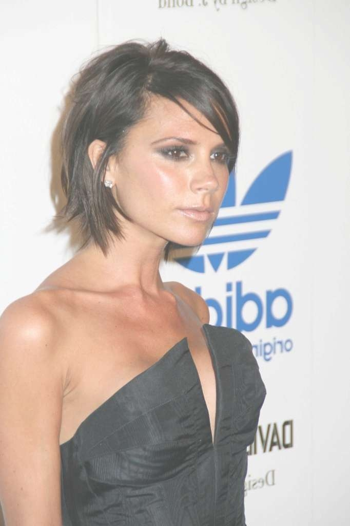 Pictures Of Short Hairstyles Victoria Beckham Bob With Regard To Recent Victoria Beckham Medium Haircuts (View 12 of 25)