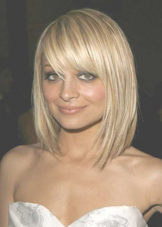 Pretty Textured Blonde Bob Haircut With Full Fringe – Nicole Pertaining To Bob Hairstyles With Bangs (View 23 of 25)