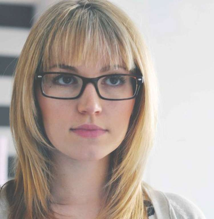 Quick Medium Hair Glasses Throughout Most Popular Medium Haircuts With Bangs And Glasses (View 3 of 25)