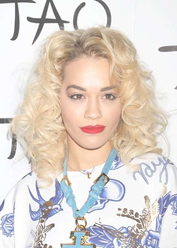 Rita Ora Medium Blonde Curly Hairstyle For Shoulder Length Hair In Current Rita Ora Medium Hairstyles (View 12 of 15)