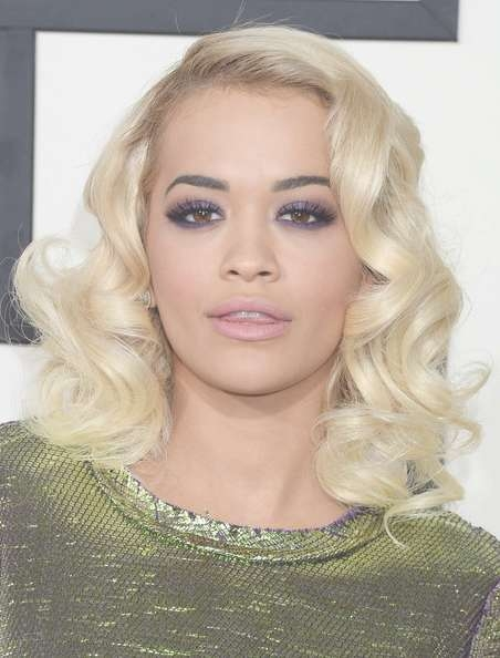 Rita Ora Medium Curls – Shoulder Length Hairstyles Lookbook Throughout Most Current Rita Ora Medium Hairstyles (View 13 of 15)