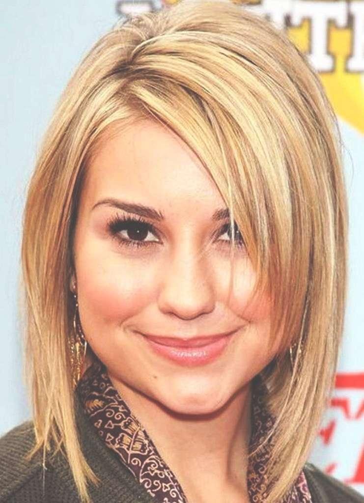 Round Face Popular Medium Length Hairstyles With Regard To Newest Round Face Medium Hairstyles With Bangs (View 14 of 25)