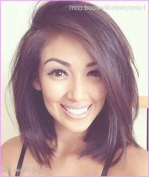 Round Face V Shape Medium Length Haircuts 2017 In Current Medium Haircuts For Fat Faces (View 5 of 25)