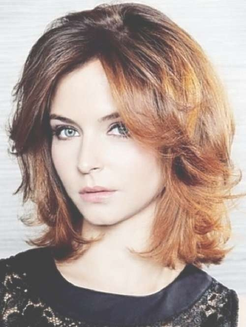 Round Face Wavy Medium Length Hairstyles Intended For Most Up To Date Wavy Medium Hairstyles For Round Faces (View 12 of 15)