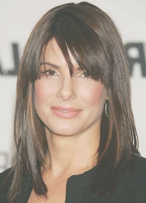 Sandra Bullock Medium Length Hairstyle: Straight Haircut With Side With Regard To Current Side Swept Bangs Medium Hairstyles (View 22 of 25)