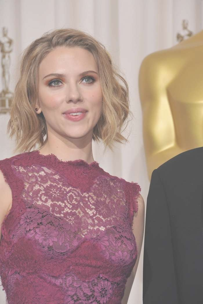 Scarlett Johansson Hairstyles: Scarlett's Best Hair Photos With Regard To Recent Scarlett Johansson Medium Haircuts (View 20 of 25)