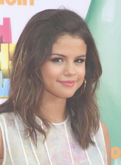 Selena Gomez – Beauty Riot Intended For 2018 Selena Gomez Medium Hairstyles (View 4 of 15)
