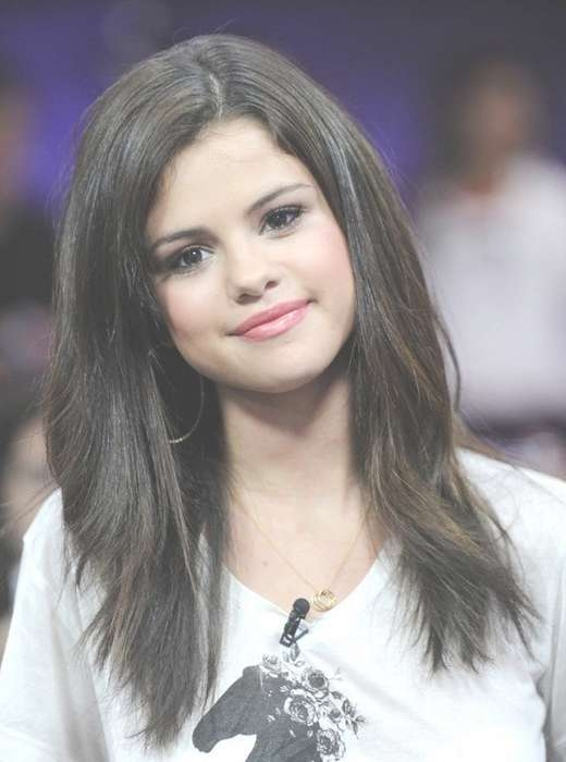 Selena Gomez Hairstyles: Long Straight Hair – Popular Haircuts Regarding Best And Newest Selena Gomez Medium Hairstyles (View 9 of 15)