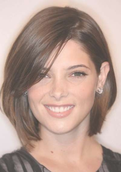 Short Haircut For Thin Wavy Hair And Round Face Layered Medium For Best And Newest Medium Haircuts With Layers For Round Faces (View 20 of 25)