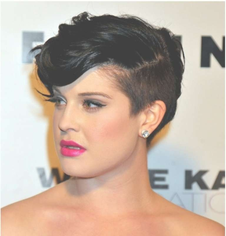 Short Hairstyle With Side Shaved Women Medium Haircut Within Short Pertaining To Current Medium Hairstyles With Shaved Side (View 7 of 15)