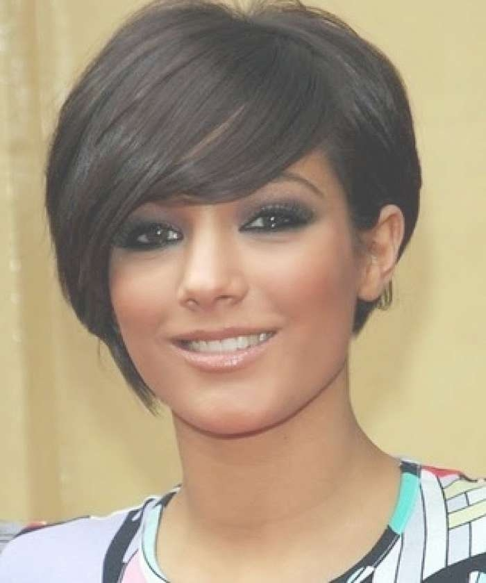 Short Hairstyles For Oval Faces Black Women – Latest Hair Styles For Current Black Medium Hairstyles For Long Faces (View 9 of 15)