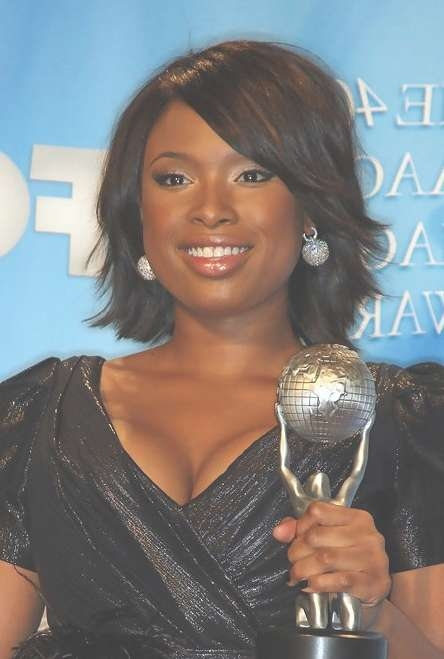 Short Layered Hairstyle With Side Swept Bangs For African American Pertaining To Best And Newest Black Medium Hairstyles With Bangs And Layers (View 7 of 25)