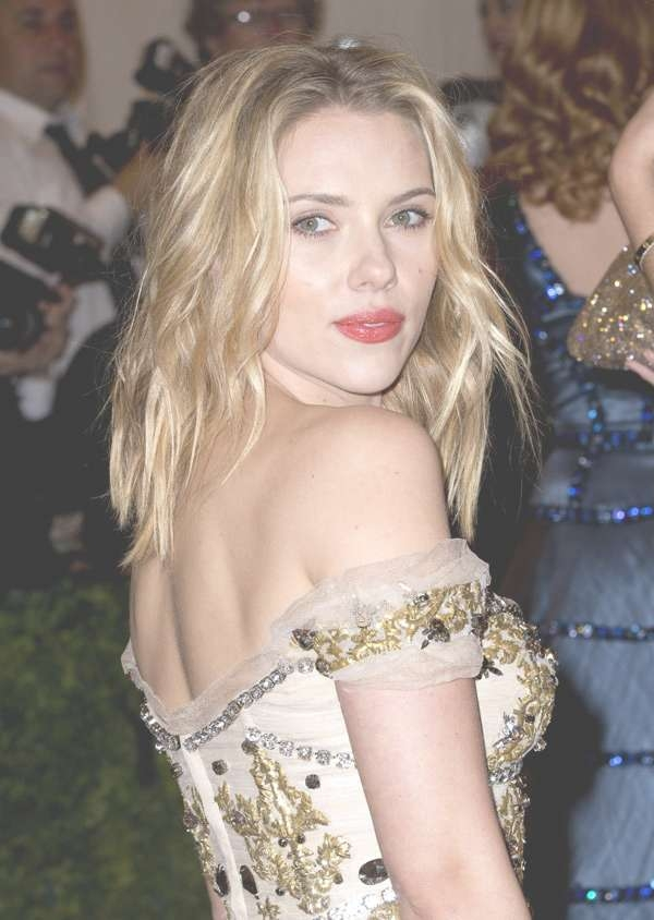 Shoulder Length Hair: 20 Styles That Make Me Want To Cut My Long Regarding Newest Scarlett Johansson Medium Haircuts (View 2 of 25)