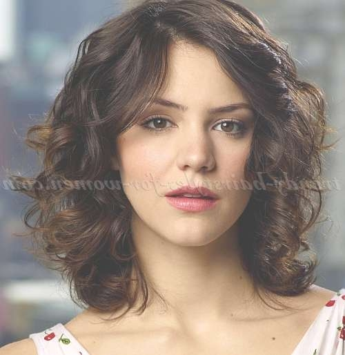 Shoulder Length Wavy Hairstyles – Curly Medium Length Hairstyle Pertaining To Newest Wavy Curly Medium Hairstyles (View 15 of 25)