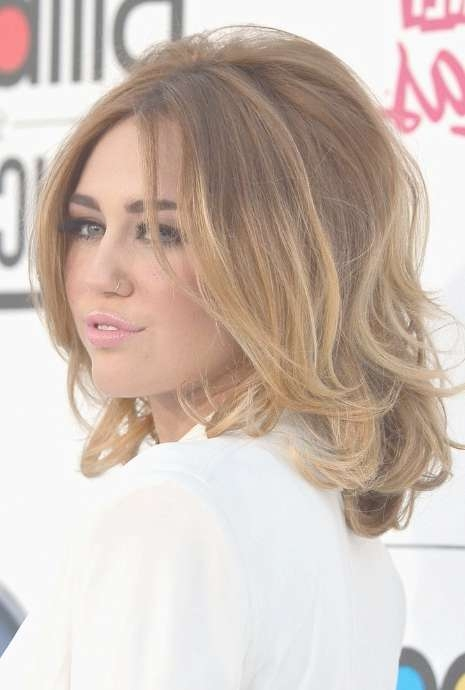 Side View Of Miley Cyrus Medium Ombre Hair: Voluminous Bob For Most Current Medium Haircuts For Voluminous Hair (View 12 of 25)