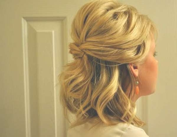 Simple Half Up Half Down Wedding Hairstyles – Wedding Party Decoration Intended For Latest Wedding Half Up Medium Hairstyles (View 15 of 25)