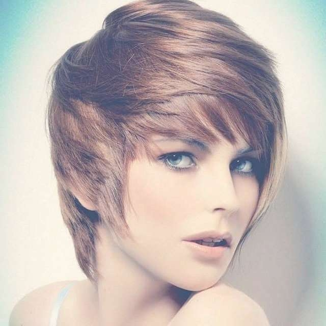 Featured Photo of Pixie Layered Medium Haircuts