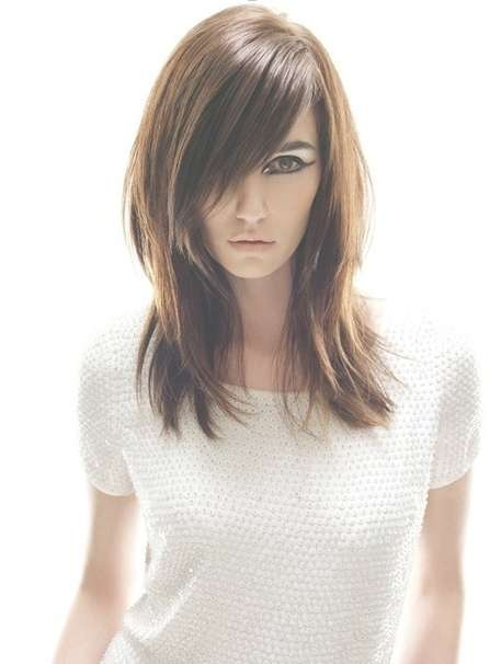 Smooth, Straight Medium Haircuts For Fine Hair – Popular Haircuts Within Most Recently Medium Haircuts For Fine Straight Hair (View 12 of 25)