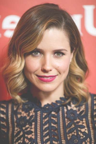 Sophia Bush Medium Wavy Cut – Shoulder Length Hairstyles Lookbook With Regard To Latest Sophia Bush Medium Hairstyles (View 12 of 15)