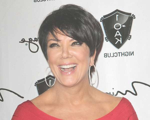 Super Sexy Kris Jenner Haircut Styles Slodive | En Flower Regarding Most Up To Date Kris Jenner Medium Hairstyles (View 11 of 15)