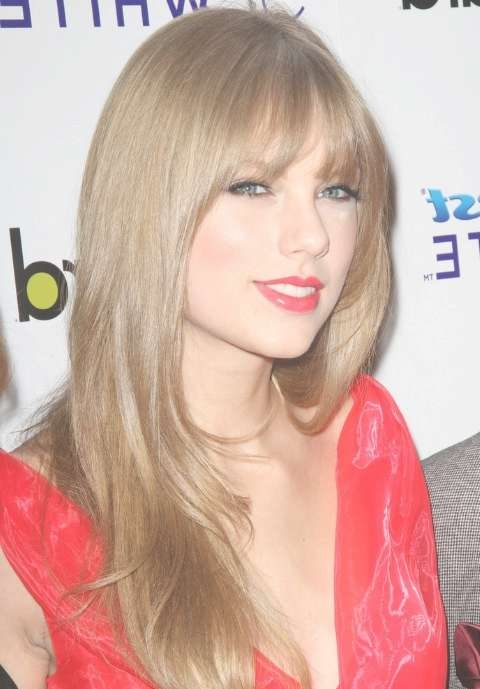 Taylor Swift Long Blonde Straight Hairstyle With Bangs With Current Taylor Swift Medium Hairstyles (View 11 of 25)