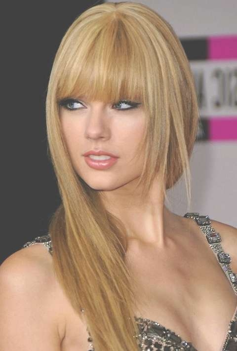 Taylor Swift Long Straight Hairstyles: Golden Layered Haircut In Most Up To Date Taylor Swift Medium Hairstyles (View 13 of 25)