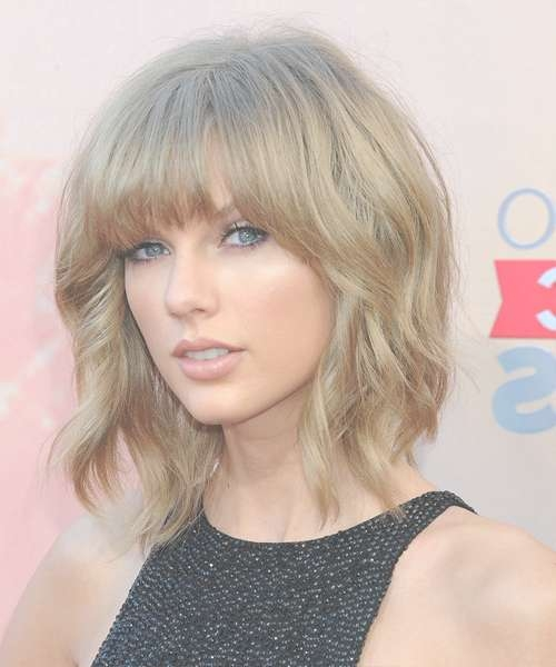 Featured Photo of Taylor Swift Medium Hairstyles