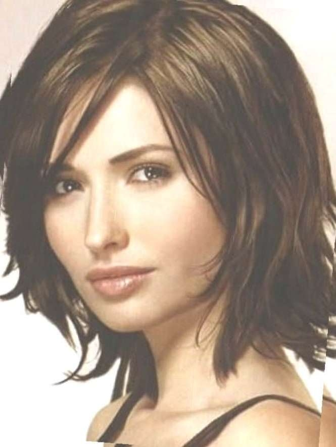 The 25+ Best Short Hair For Round Face Double Chin Ideas On Pertaining To Latest Medium Hairstyles For Thick Hair And Round Faces (View 14 of 25)