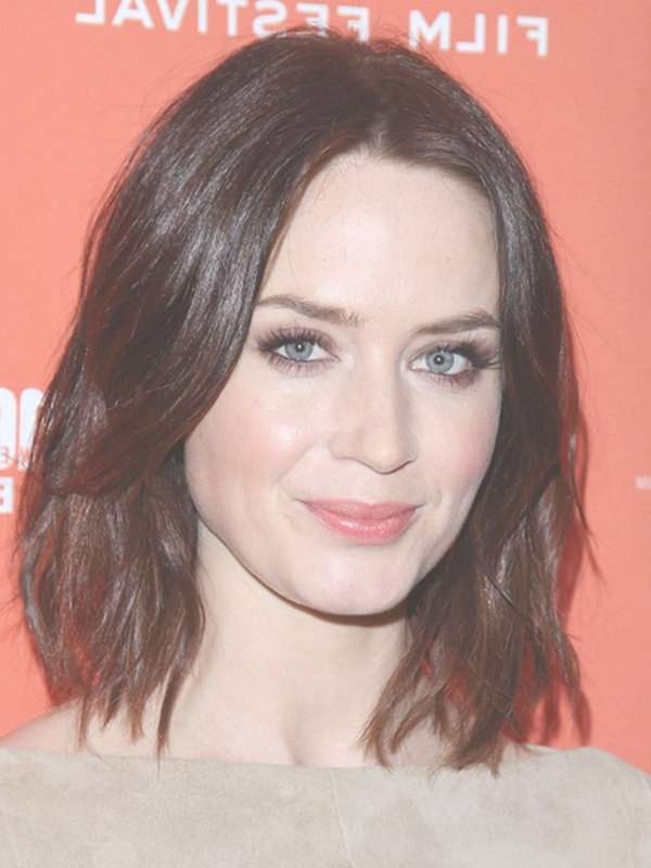The Best Haircuts For Oval Shaped Faces – Women Hairstyles Regarding Newest Medium Haircuts On Long Faces (View 6 of 25)
