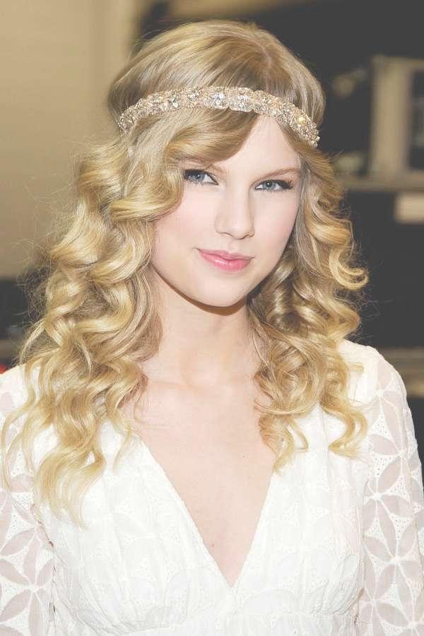 The Best Taylor Swift Hairstyles – Hair World Magazine Regarding Latest Taylor Swift Medium Hairstyles (View 24 of 25)
