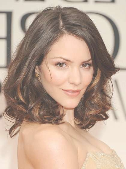 The Top 8 Haircuts For Heart Shaped Faces   Allure With Recent Medium Hairstyles For Pointy Chins (View 15 of 15)