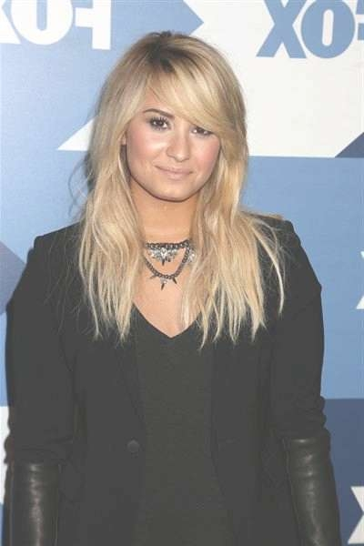The Top Demi Lovato Hairstyles That We Love – Hair World Magazine With Regard To Current Demi Lovato Medium Hairstyles (View 13 of 25)