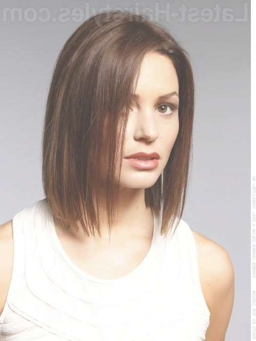 These 35 Medium Bob Hairstyles Are Trending For 2018 In Shoulder Bob Hairstyles (View 23 of 25)