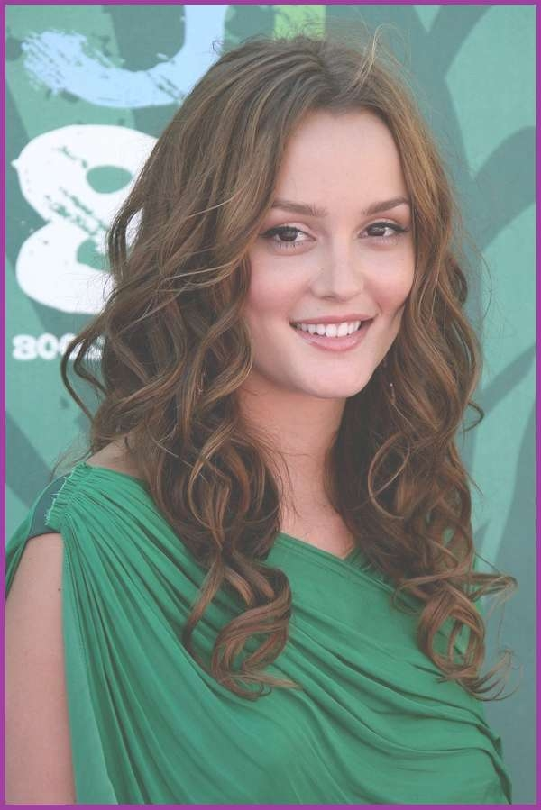 Thick Layers Like Big Curls Hairstyle For Best And Newest Big Curls Medium Hairstyles (View 12 of 15)