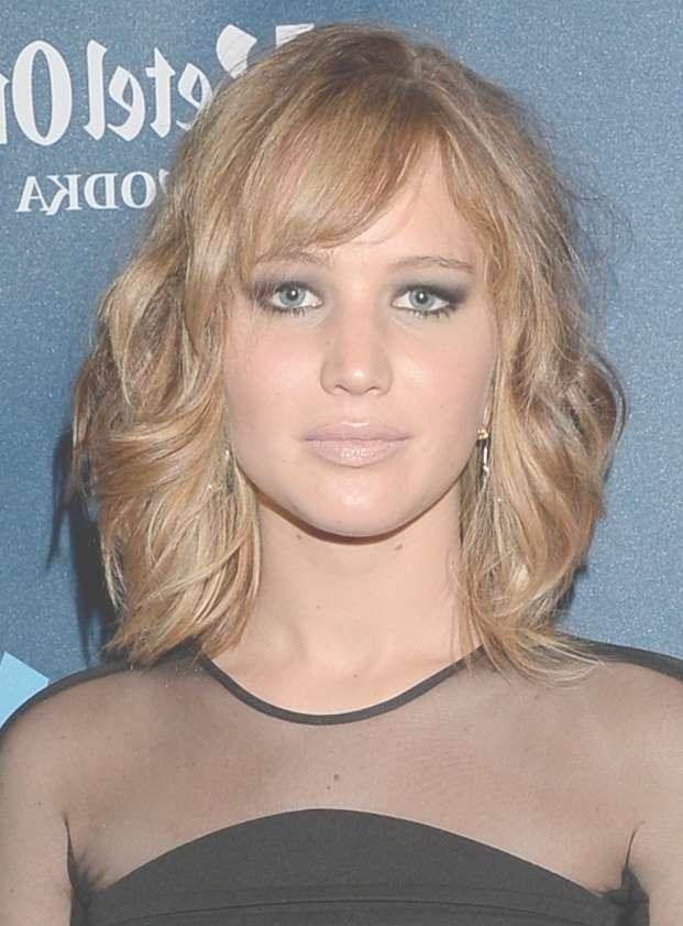 Top 20 Medium Length Hairstyles With Bangs For Round Faces In Most Recent Medium Hairstyles With Side Bangs For Round Faces (View 11 of 25)