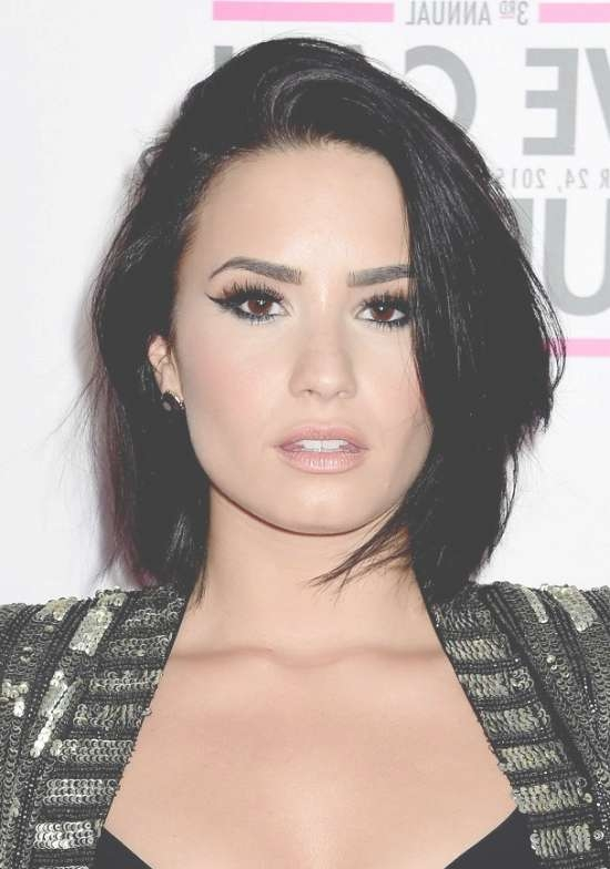 Top 32 Demi Lovato's Hairstyles & Haircut Ideas For You To Try With Best And Newest Demi Lovato Medium Hairstyles (View 9 of 25)