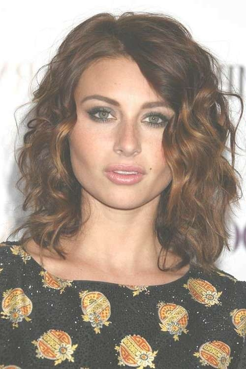 Trending Medium Haircuts For Women Curly Hair Intended For Best And Newest Medium Hairstyles Curly (View 9 of 25)