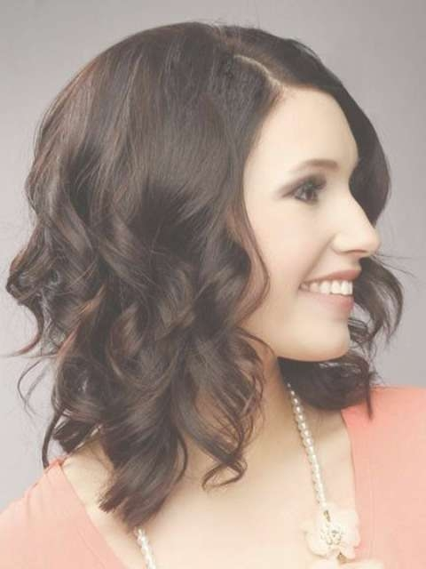 Trendy Medium Length Hairstyles For Round Faces – Pictures & Tips Intended For Most Up To Date Curly Medium Hairstyles For Round Faces (View 19 of 25)